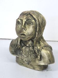 Figurine en céramique réalisée par un enfant