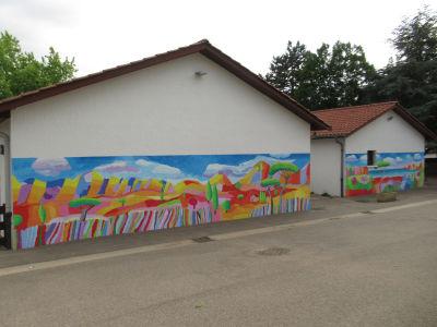 La fresque de l'école Marcel Pagnol à Charvie-Chavagnieux