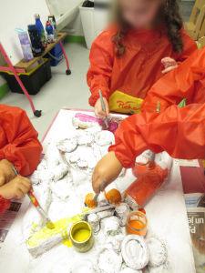 Séance d'art plastique à l'école maternelle