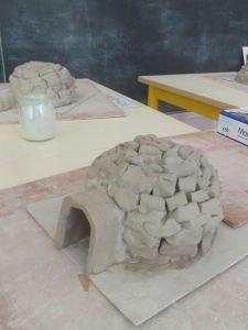 Fabriquer un igloo avec des briques d'argile